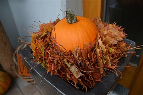 Einfache Herbstdeko Für Fenster by Herbstdeko Ideen Kreativ Bunt Den Garten Dekorieren