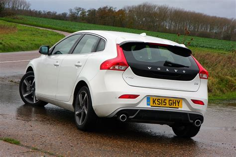 volvo hatchback volvo v40 hatchback 2012 photos parkers