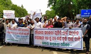 Odisha youths rally demanding hike in upper age limit for ...