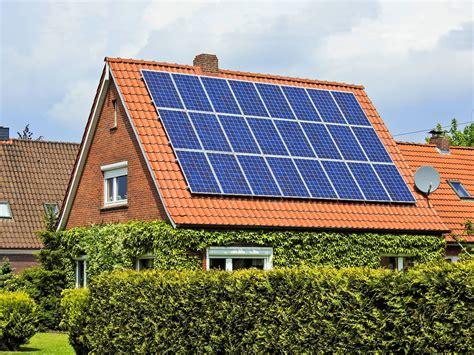 lohnt sich solaranlage bis zu sieben prozent rendite solaranlagen lohnen sich wieder n tv de