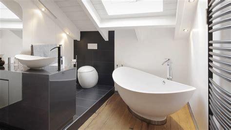Freistehende Badewanne Die Moderne Badeinrichtungminimalistische Freistehende Badewanne by Hochwertige Badewannen Die Badgestalter