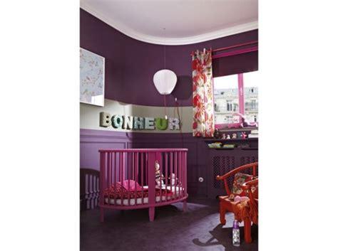 chambre bébé violet deco chambre fille mauve et