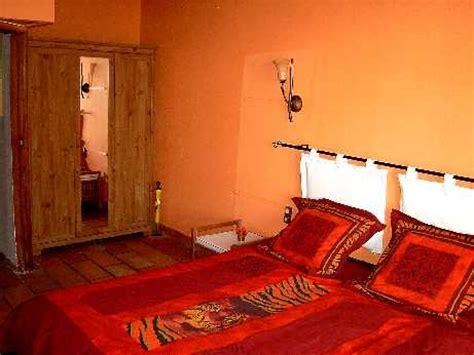 chambre africaine le lit de la chambre africaine