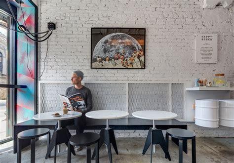quirky coffee shop      alleyway