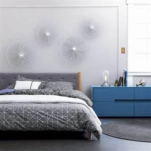 la chambre grise 40 idees pour la deco archzinefr With deco murale chambre adulte