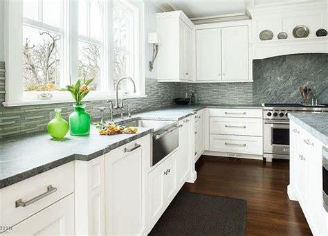 kitchen tile backsplash ideas with white cabinets kitchen backsplashes with white cabinets recessed lighting