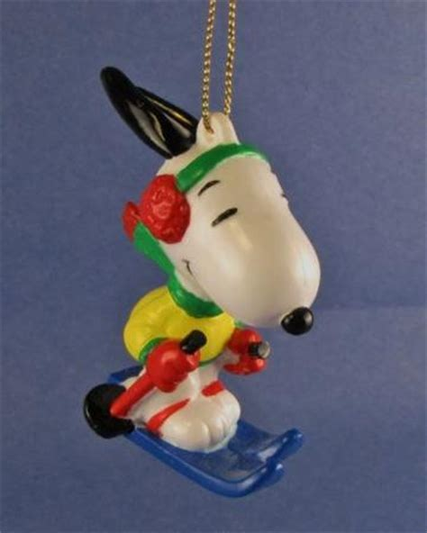 2 christmas tree ornaments snoopy peanuts skiing