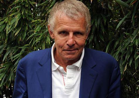 """Patrick poivre d'arvor est un journaliste et écrivain français, principalement connu comme le présentateur du jt de 20 heures sur tf1. Patrick Poivre d'Arvor : The Voice, """"c'est le degré zéro de la... - Closer"""