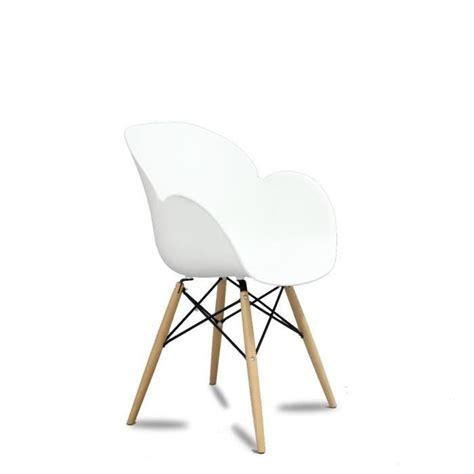 chaise design blanc lot chaises pas cher maison design wiblia com