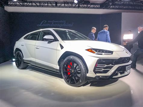 lamborghini urus   specifications price