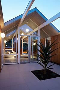 This Mid Century Modern Eichler House In California Got A ...  Modern