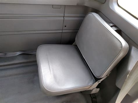 Rear Folding Jumpseat Option For A 196 F150??????
