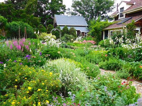 cottage landscaping cottage garden design ideas hgtv
