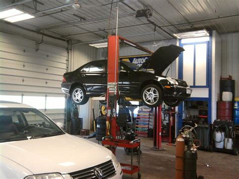 Interior Shop Photo Advanced Auto Clinic
