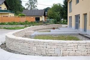 Terrassenmöbel Für Kleine Terrassen : terrassen mit steinmauern weber vorgarten mit steinmauer nowaday garden ~ Markanthonyermac.com Haus und Dekorationen