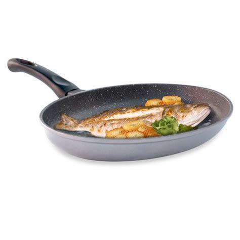 poele a cuisiner poele a poisson les ustensiles de cuisine