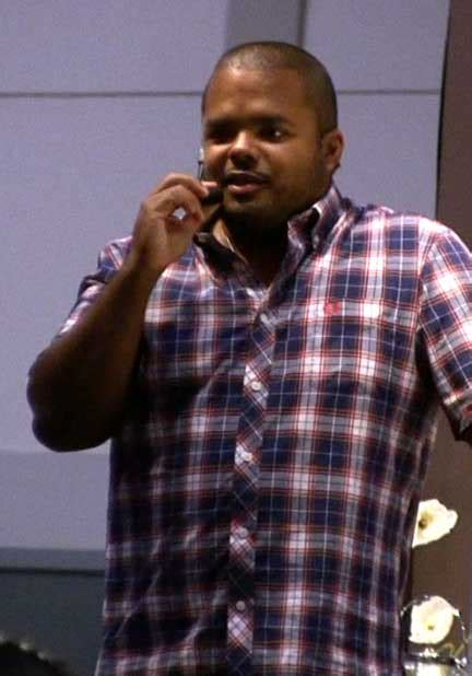 roger mooking wikipedia