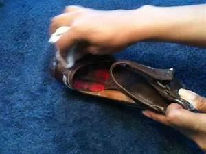 Cirer Des Chaussures : cirer des chaussures sans cirage astuce entretien chaussures youtube ~ Dode.kayakingforconservation.com Idées de Décoration