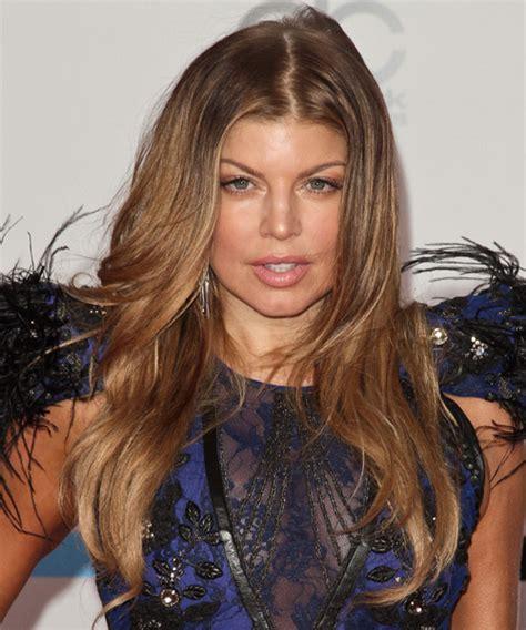 fergie long wavy light copper brunette hairstyle