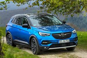 Opel Grand Land X : opel grandland x a stylish newcomer is ready to attack in the booming compact suv segment ~ Medecine-chirurgie-esthetiques.com Avis de Voitures