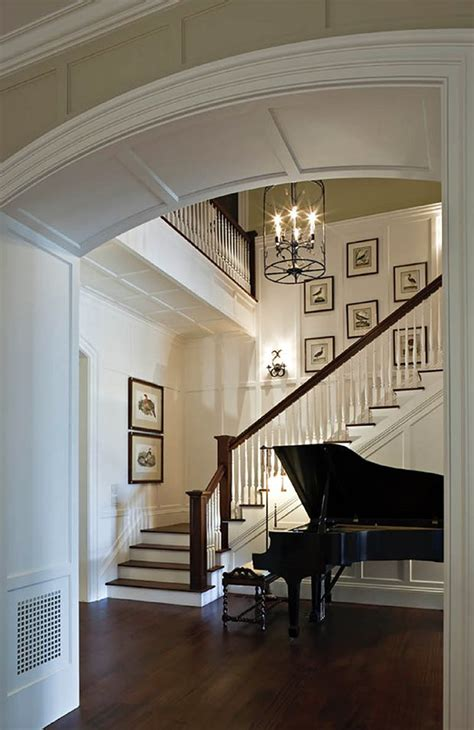 Colonial Style Homes Interior by 25 Best Ideas About Colonial Style Homes On