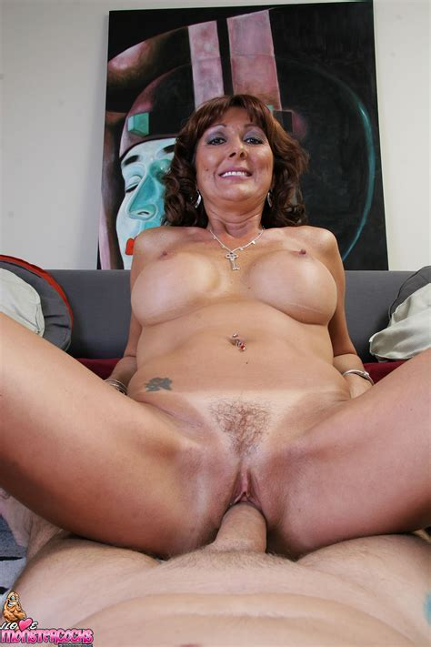 338d5c363a7 Shapely Mature Desi Foxx Has Both Her Throat And Pussy Banged By ...