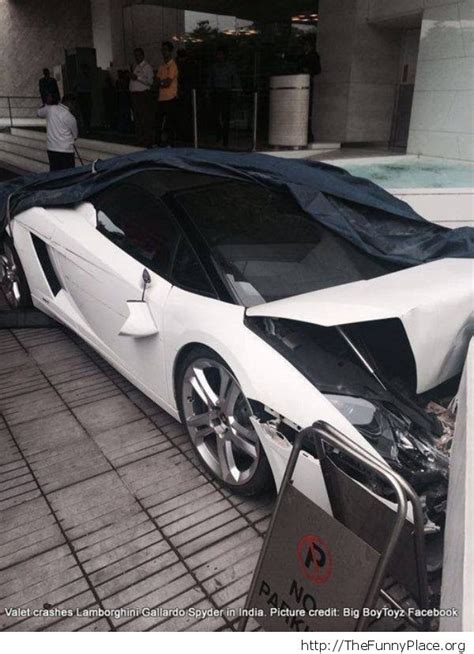 Valet Parking Lamborghini Fail by Valet Parking In India Thefunnyplace