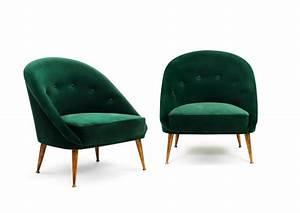 Petit fauteuil velours maison design wibliacom for Petit fauteuil vert