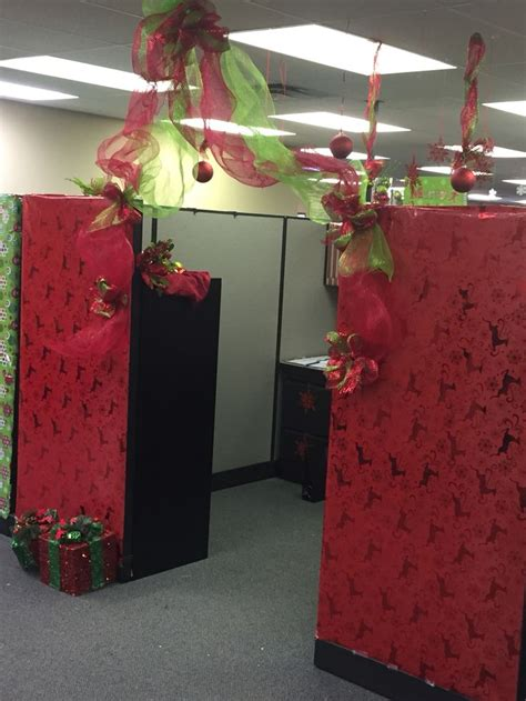 xmas cubicle decoration theme