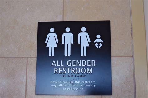 emanuel proposes transgender restroom ordinance chicago