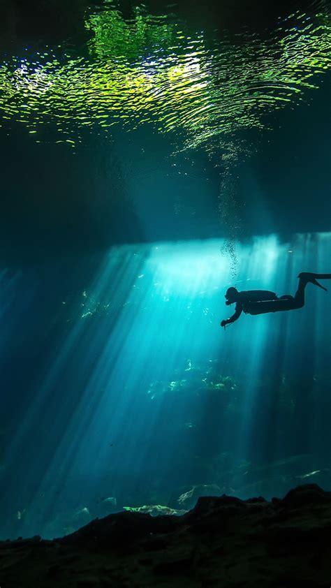 wallpaper diver sunbeam underwater  travel