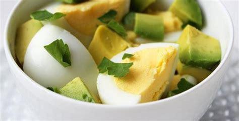 Sešpadsmit vislabākās brokastu receptes, kas palīdzēs jums ...