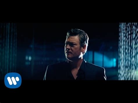 blake shelton you name the dogs chords lyric and video blake shelton every time i hear that song