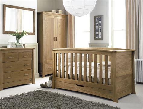 chambre bébé bois massif chambre lambris bois