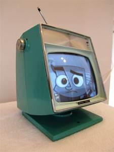 Space Age Möbel : vintage space age transistor tv vintage pinterest 60er tv ger t und deko ~ Orissabook.com Haus und Dekorationen