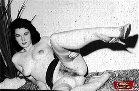 daring vintage chicks with hairy pussies in xxx dessert