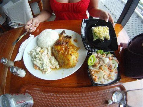 canape oeuf canapé aux oeufs poisson cru au lait de coco et le plat