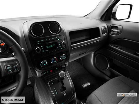 jeep compass limited blue 2014 jeep patriot latitude 4 4 suv