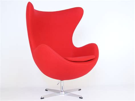 egg chair arne jacobsen red
