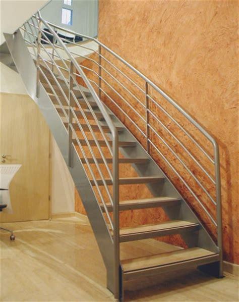 escalier limon central quart tournant pin escalier quart tournant avec limon central acier on