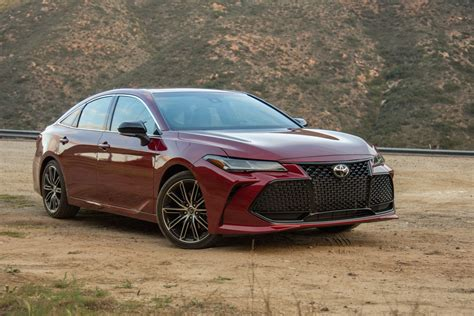 2019 Toyota Avalon by 2019 Toyota Avalon Review Autoguide