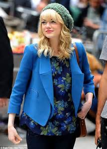 Preppy Emma Stone In A Blue Blazer And Satchel On The