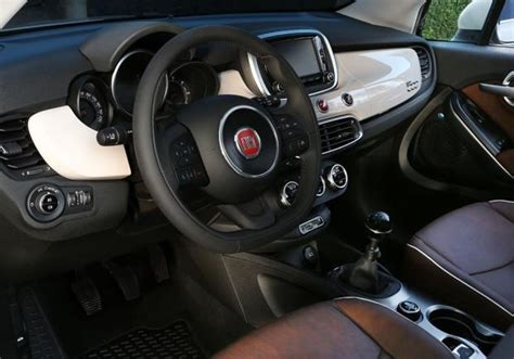 jeep crossover interior fiat 500x e jeep renegade crossover a confronto