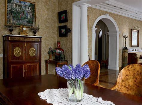antiques  modern interior decorating
