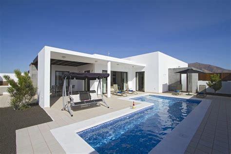 villa moderne avec piscine priv 233 e chauff 233 e iles canaries 2031263 abritel