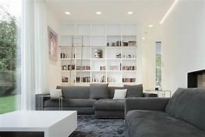 Regal Hinter Sofa : 1001 sofa grau beispiele warum sie ein sofa genau ~ Frokenaadalensverden.com Haus und Dekorationen