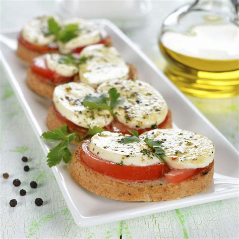 recette toasts tomates  mozarella