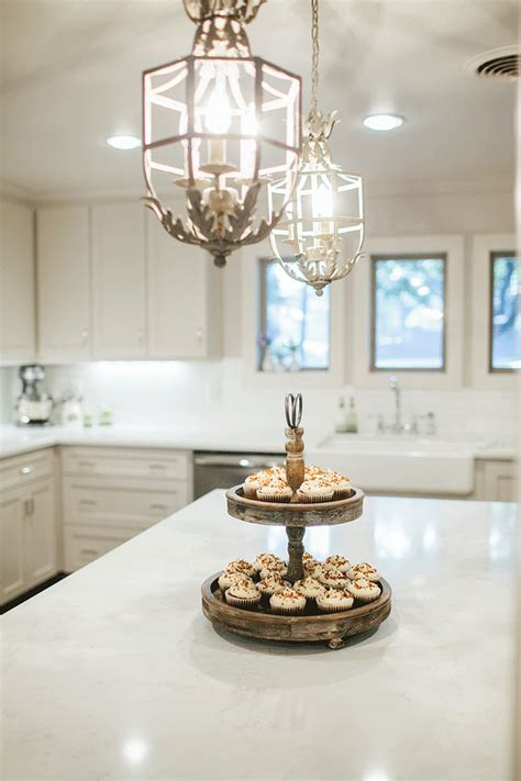 white chandeliers kitchen
