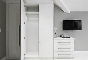 Fernseher An Der Wand : stylische garderobe 43 interessante bilder ~ Sanjose-hotels-ca.com Haus und Dekorationen