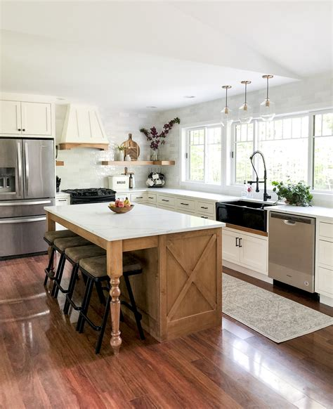 designing  modern farmhouse kitchen   black